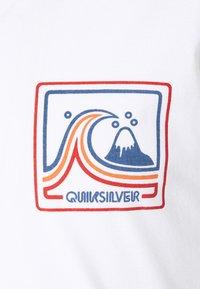 Quiksilver - HIGHWAY VAGABOND - Maglietta a manica lunga - white - 2