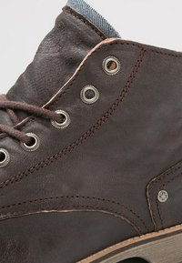 Sneaky Steve - CRASHER - Lace-up ankle boots - brown jamarta - 5