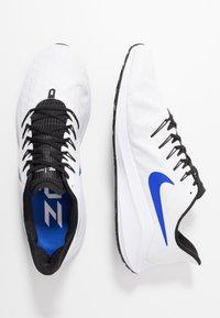 Nike Performance - AIR ZOOM VOMERO 14 - Juoksukenkä/neutraalit - white/racer blue/platinum tint/black - 1