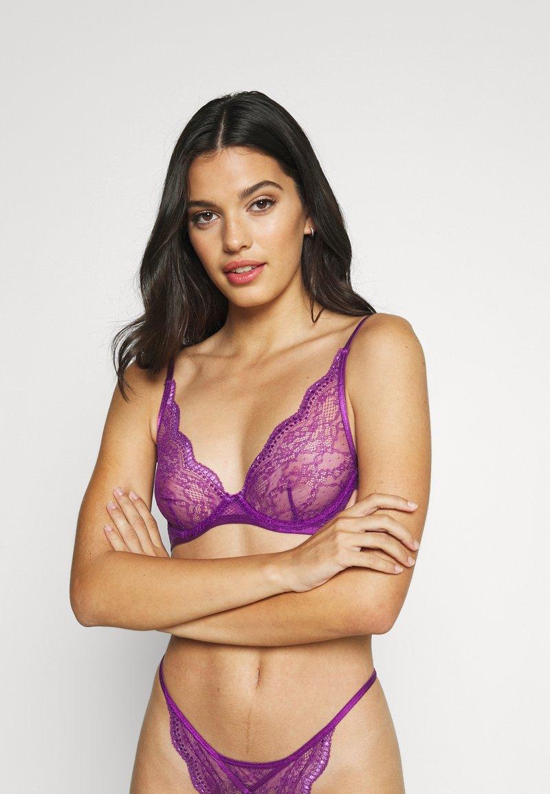Hunkemöller - ISABELLE PLUNGE UNPADDED - Triangle bra - purple