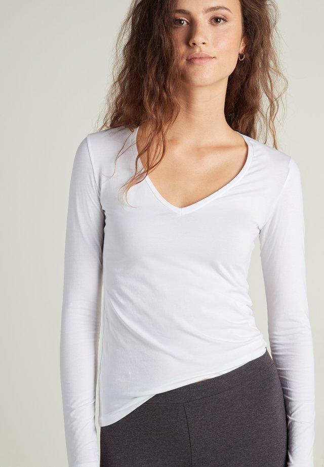 MIT V-AUSSCHNITT AUS STRETCH-BAUMWOLLE - Long sleeved top - bianco