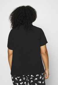 ONLY Carmakoma - CARVISTALA SHIRT SOLID - Button-down blouse - black - 2