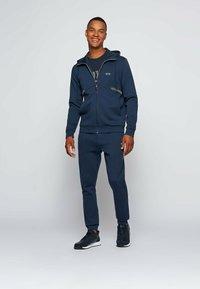 BOSS - TEE PIXEL  - Print T-shirt - dark blue - 1