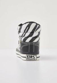 British Knights - ATOLL - Trainers - zebra/black - 3