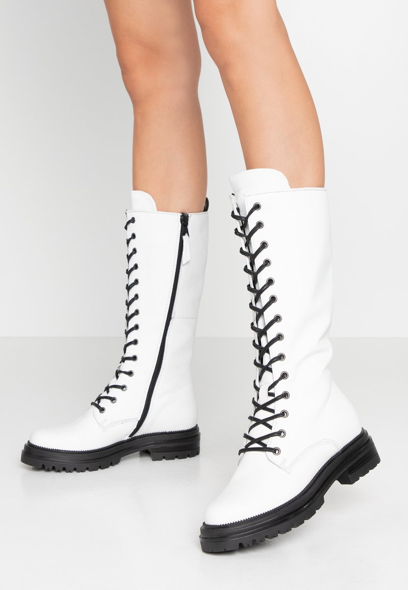 MJUS - Platform boots - bianco