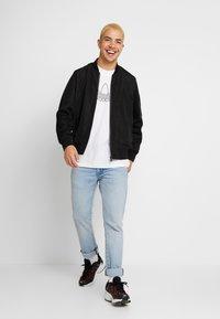 adidas Originals - OUTLINE TEE - T-Shirt print - white - 1
