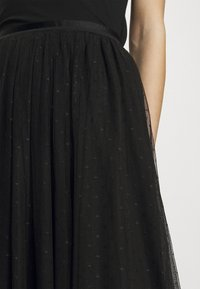Needle & Thread - KISSES MAXI SKIRT EXCLUSIVE - Maxi skirt - black - 4