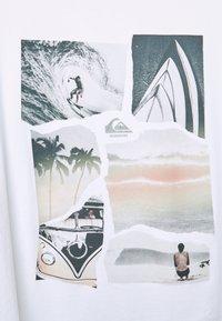 Quiksilver - TORN APART - Print T-shirt - white - 2