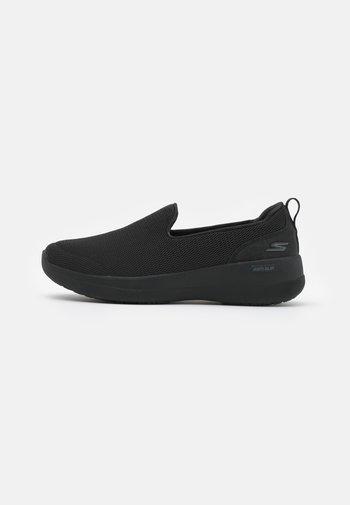 GO WALK JOY DELUXE - Zapatillas para caminar - black