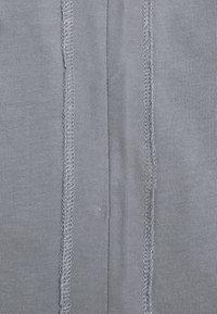 YOURTURN - INSIDE OUT COLLAR UNISEX - Basic T-shirt - grey - 2