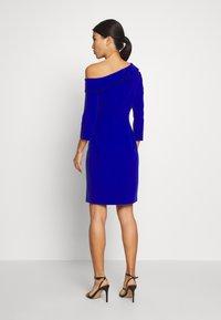 Pedro del Hierro - BODYCON DRESS - Cocktail dress / Party dress - dark blue - 2