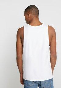 Levi's® - GRAPHIC TANK - Top - white - 2