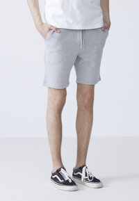 BY GARMENT MAKERS - EBBE - Shorts - light grey - 3