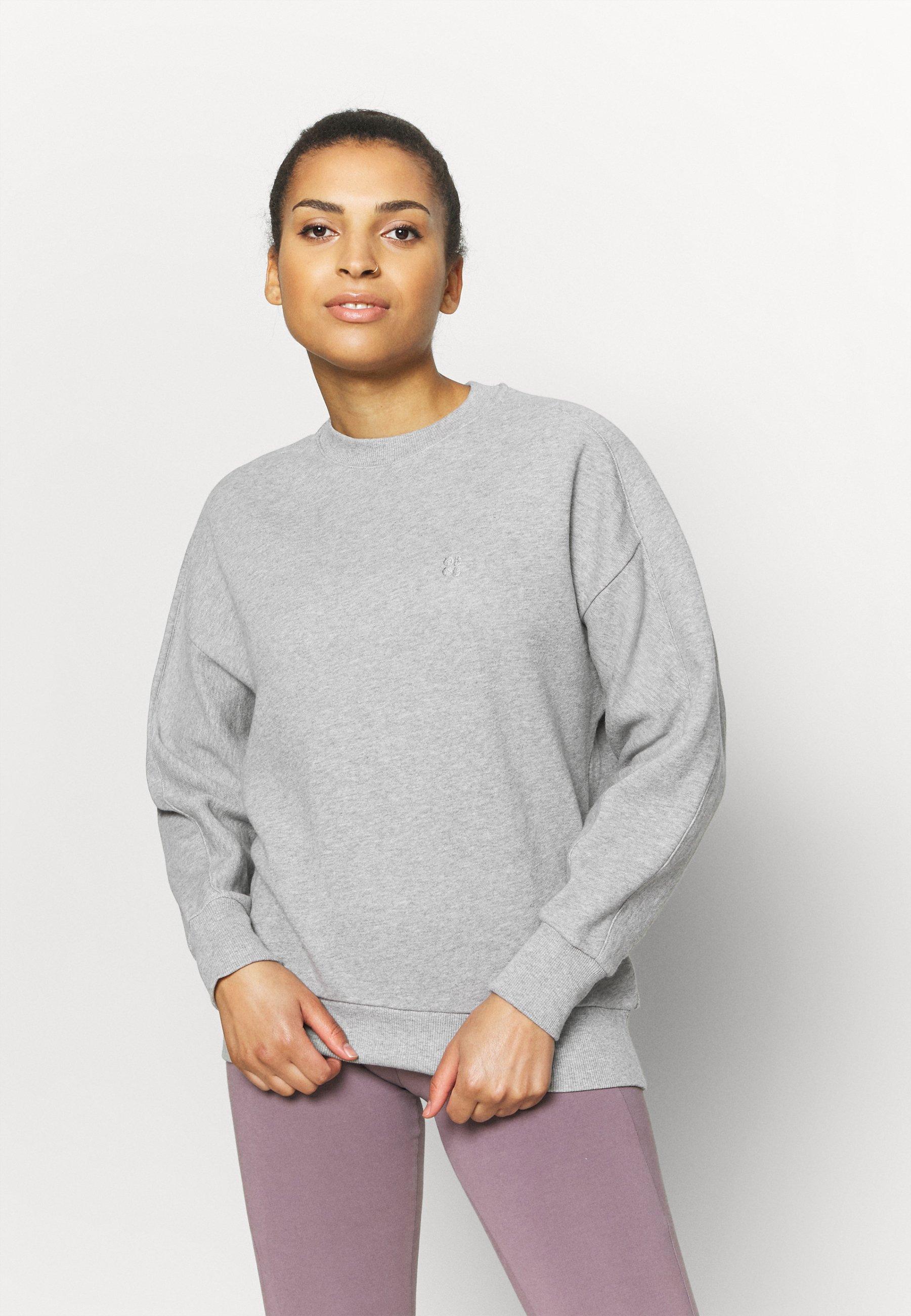 Women ESSENTIALS  - Sweatshirt
