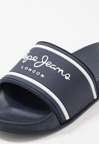 Pepe Jeans - SLIDER LOGO - Sandalias planas - navy - 2
