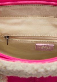 myMo - Handbag - neon pink - 3