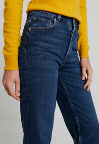 Selected Femme - SLFKATE INKY - Jeans straight leg - medium blue denim - 3