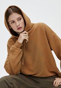 PULL&BEAR - Hoodie - brown - 4