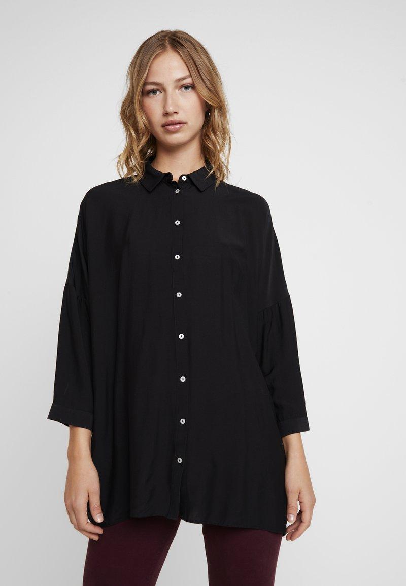 ONLY - ONLTRUDY 3/4 - Skjortebluser - black