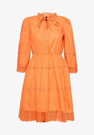 YASCANTALINA 3/4  DRESS - Kjole - canteloupe
