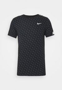 Nike Sportswear - REPEAT TEE - T-shirt med print - black/white - 5