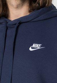 Nike Sportswear - CLUB HOODIE - Luvtröja - midnight navy/white - 4