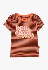 Smitten Organic - TEE BABY ZGREEN - Print T-shirt - living coral - 0