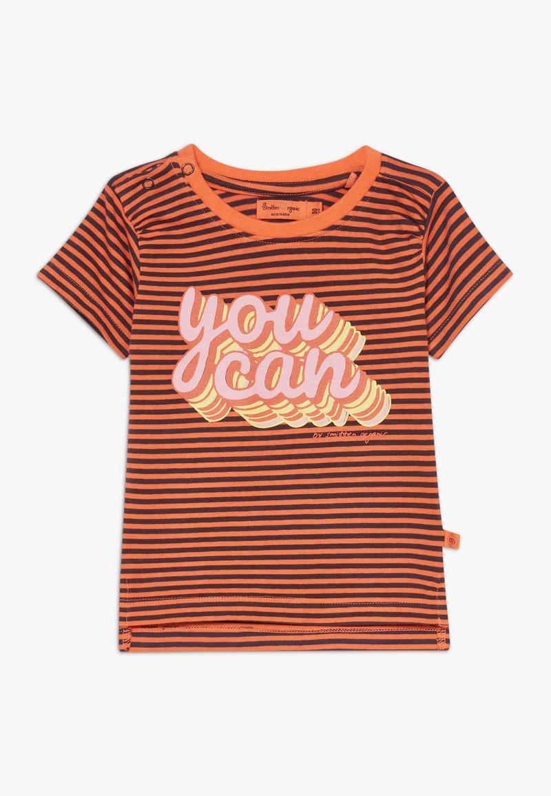 Smitten Organic - TEE BABY ZGREEN - Print T-shirt - living coral