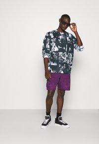 Jaded London - INVERTED PUNK ROCK COLLAGE TEE - Long sleeved top - black - 1