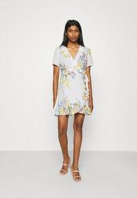 ONLY - ONLALMA LIFE WRAP DRESS - Day dress - cloud dancer/summer botanic - 1