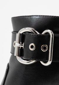 ONLY SHOES - ONLBRIN BUCKLE - Kotníková obuv na vysokém podpatku - black - 2