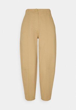 CARROT LEG TROUSER - Bukser - khaki