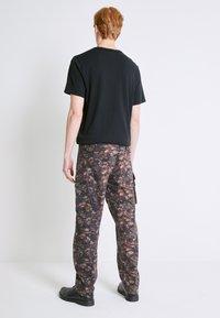 Levi's® - Pantaloni cargo - spodumeme - 0