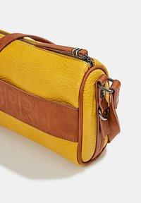Esprit - MINNESOTA  - Across body bag - brass yellow - 4