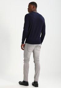 INDICODE JEANS - NARVIK - Slim fit jeans - light grey - 2