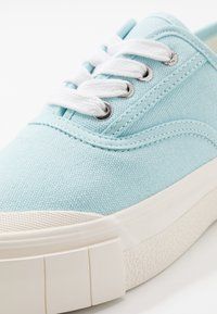 Good News - ACE - Baskets basses - baby blue - 5