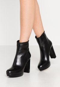 Steven New York - BARRY - High heeled ankle boots - black - 0