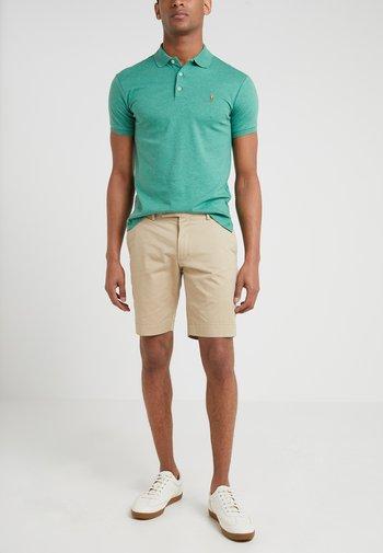 Short - classic khaki