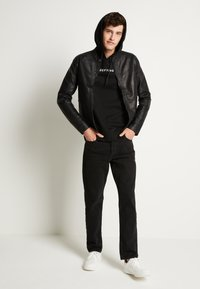 Jack & Jones - JJICHRIS JJORIGINAL - Straight leg jeans - black denim