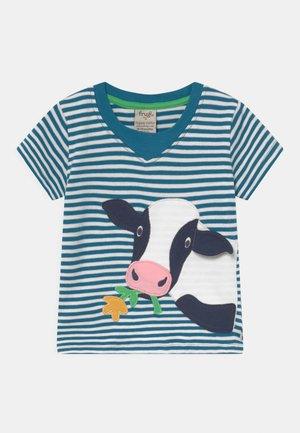 EASY ON TEE UNISEX - T-shirts med print - multi-coloured