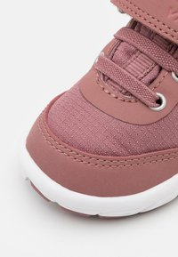 Viking - SPECTRUM GTX UNISEX - Hiking shoes - peach - 5