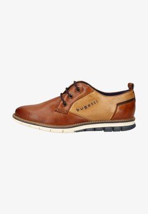 Elegantní šněrovací boty - cognac/sand