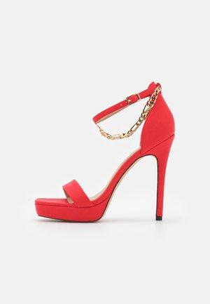 SCARLETTCHAIN - Sandalias - red