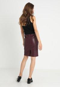 Vila - VIPEN - Pencil skirt - winetasting - 2