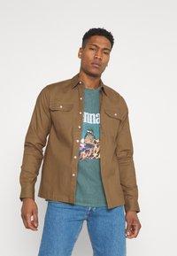 Redefined Rebel - RRANTON  - Shirt - inca gold - 3