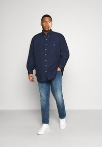 Polo Ralph Lauren Big & Tall - NATURAL - Shirt - newport navy - 1