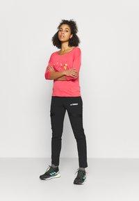 Icepeak - MERRIAM - Maglietta a manica lunga - hot pink - 1