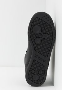 Kappa - MANGAN - Chaussures de running neutres - black/red - 4