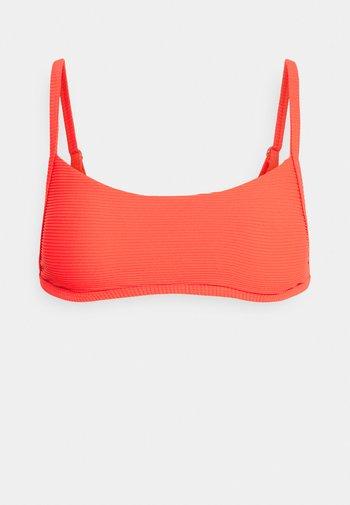 TANLINES BRALETTE - Bikini top - hot coral