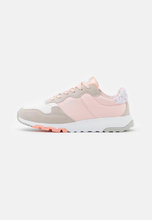 KOKO EASY - Sneakers laag - pale